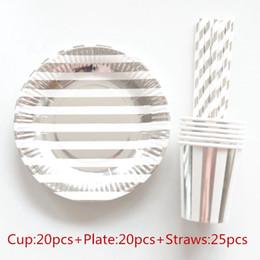 Documenti di persone online-65 pezzi 20 persone piatti di carta per feste tovaglioli tazze cannucce articoli per la tavola usa e getta metallico striscia d'argento tema decorazione di cerimonia nuziale
