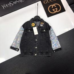 Mädchen kleidet größe 7t online-Mädchen Jacke Kinder Designer Kleidung Denim Stoff Herbst Mantel zurück Einhorn Muster Revers Pailletten Design Mantel Größe 100-160