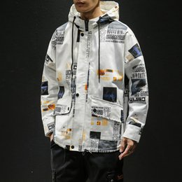 2019 mens koreanische jacke hoodie 2019 Korean Style Cargo Windbreaker Jacke Herren Hip Hop Hoodie Jacken Harajuku Print Jacken und Mäntel Japanese Streetwear 5XL rabatt mens koreanische jacke hoodie