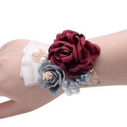 Corsages de seda on-line-Dama de honra Da Menina Pulso Corsage Silk Rose Flor Pérola De Cristal Frisada Feitas À Mão Fontes Do Casamento Flores De Noiva Por Atacado barato