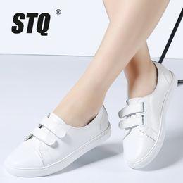 2019 резиновая лодка STQ 2019 осень женщины квартиры обувь дамы выскользнуть на плоские ботинки тапок женщин вскользь резиновая лодка белые полуботинки для 1702 дешево резиновая лодка
