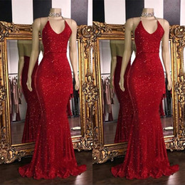 Canada 2019 Rouge Paillettes Paillettes Sirène Longue Robes De Bal Halter Dos Nu Sweep Train Formelle Robe De Soirée De Soirée supplier red halter evening dress sequin Offre