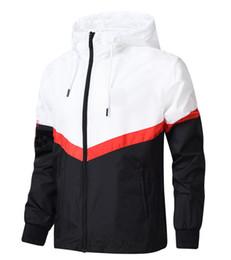 Wholesale Diseñador de la marca de la chaqueta moda marea chaqueta de la chaqueta para hombre letras impresas de lujo para hombre con capucha deporte casual al aire libre ropa rompevientos L XL