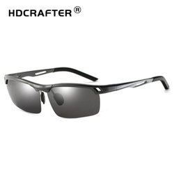 2793f3e704 HDCRAFTER Nuevos hombres de diseño Gafas de sol polarizadas Al. Aleación de  Mg Medio chasis antirreflejos Conductor Gafas de sol a prueba de rayos ...