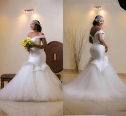 Arab sexy kleid bild online-Elegante Off Shoulder Meerjungfrau Brautkleider 2019 Rüschen ärmellose Perlen arabischen Brautkleid Sweep Zug Real Image Lace Up Brautkleider