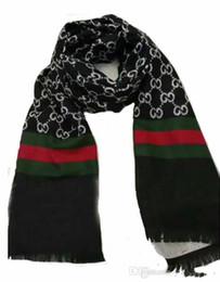 100% famosi uomini pashmina sciarpa lettera stampa a maglia nappe moda  spessore signora sciarpe vintage designer uomo sciarpa calda eccellente  180x30 cm cbcab0e12a5f