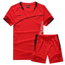 2019 meia calça de praia T-shirt de manga curta dos homens Treino Casual Sports Set Shorts Coreano Calças de Praia Tendências Roupas Meia Manga meia calça de praia barato