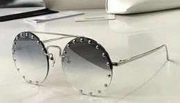 2019 lunettes cloutées Lunettes de soleil rondes cloutées argent Lunettes de soleil de luxe avec lunettes de soleil de luxe Designer Lunettes neuves avec boîte lunettes cloutées pas cher