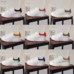 2019 дизайнер мужские кожаные сумки Дизайнерская повседневная обувь Мужчины Женщины Дизайнерские кроссовки Роскошные дизайнерские кроссовки Мужские женские повседневные кожаные туфли с коробкой, мешками для пыли, накладной скидка дизайнер мужские кожаные сумки