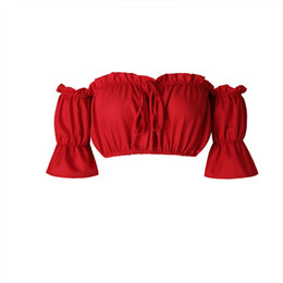 Черный без бретелек онлайн-Урожай топы женщины 2018 летние рукава фонарь сексуальные пляжные топы без бретелек плюс размер красный черный белый рюшами топ кроп