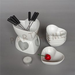 Eco Friendly Ceramic Chocolate Fondue Set Heart Shape Cheese Warmer Fruit Dish
