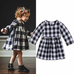 Vestito nero per la neonata online-neonata bianca in cotone nero bambina vestita a maniche lunghe Neonatee Toddler Kids Dress Party Princess Wedding Tutu