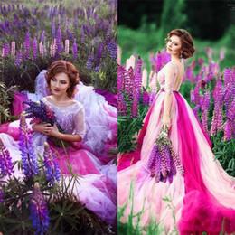 Argentina Fuffy Rainbow Vestidos de novia de colores 2019 Top Apliques de encaje Medias mangas Sexy espalda abierta Tul Vestidos de novia Vestido largo de compromiso Suministro