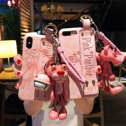 Pantera iphone online-2018 Lovely Pink Panther Phone Cover para IPhone X XS MAX XR con correa de muñeca Shell para iPhone 8 7 6s 6 Plus Contraportada