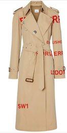 abrigos largos británicos Rebajas Cazadora para mujer, sección larga, gabardinas sueltas, impresión de letras, cazadora impermeable, modelos de pasarela British wind 2019 nueva capa 4v