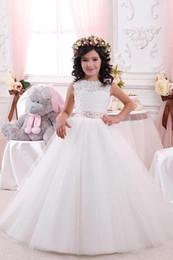 2020 arco laço meninas Pageant Vestidos Primeira Comunhão Vestidos Bela Branco Marfim Ball vestido vestidos da menina de flor para casamentos de Fornecedores de vestido de comunhão branco lindo