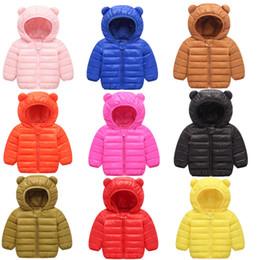 Mês jaqueta inverno on-line-Bebés Meninas Meninos Parka Luz Crianças Jacket capa Duck Down Brasão Crianças Inverno Jacket Primavera Queda da criança Casacos 3-18 mês