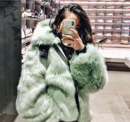 2019 modelos femeninos delgados negros Hombres Mujeres con el mismo párrafo 2019 nuevo abrigo de lana abrigo de piel de cordero ocasional femenina otoño invierno de color cosecha corta la costura de piel sintética 01A caliente