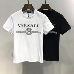 Tessuto diamantato online-T-shirt girocollo uomo Ver estate nuova Moda comoda Realizzata in tessuto di cotone Stampa a lettere di piccolo diamante d'oro