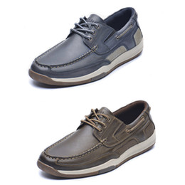 2021 scarpe da barca business casual Uomini Vera Pelle Boat Shoes Designer Oxford Appartamenti fannulloni Walking scarpe da tennis maschile British Classic Office Business suola in gomma Casual Shoes