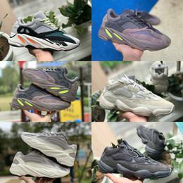 2019 cuero de onda 2019 Adidas Yeezy wave runner 700 Boost sply 500 V2 Yeeyz Nuevo diseño de zapatos de alta calidad gris sólido de moda para hombres y mujeres de cuero casual zapatillas de lona cuero de onda baratos