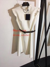 d32f694683 2019 vendita calda Abiti estivi bianco Increspato cintura vita senza  maniche abito da donna casual Abiti da donna di alta qualità PM-9 sconti  cintura in ...