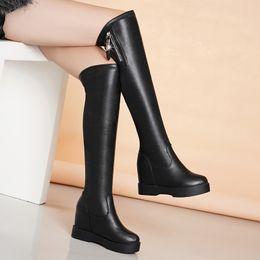 2019 bottes en latex Femmes hiver cuisse bottes hautes en cuir hiver femme bout rond sur la plateforme de genou à l'intérieur de talons hauts longues pompes bottes de neige chaudes bottes en latex pas cher