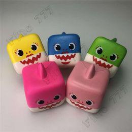 Brinquedos de estresse de espuma on-line-Squishy bebê Tubarão Lento Rising Espuma Fofa Animais Gênio Boneca Brinquedos Apaziguador do esforço Ventilação Presente
