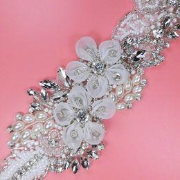 kristallklare rhinestone applikation Rabatt 2019 Atemberaubende Braut Schärpe Handmade Blumen Brautkleider Gürtel mit Perlen Pailletten Perlen Organza Krawatte auf der Rückseite einstellbare Größe