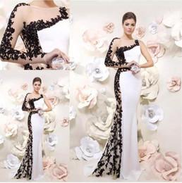 2019 robes de club de sirène Robes de soirée designer unique sirène 2019 une épaule blanc et noir style arabie saoudite dentelle appliqued perlée robe de bal robes de soirée