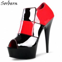 Сапоги с открытыми носками онлайн-Решетки открытых ботинок пальца ноги лодыжки для женщин Spike Высоких каблуков платформы сапоги лакированных туфли Женщина готических Runway обуви