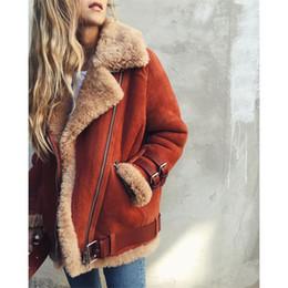 Lammwolle leder mantel online-Frauen-Winter-Velourslederjacke Sherpa warmer Mantel weibliche lange Hülsen-starke Lammwolle Motorradjacke Overcoat Plus Size Tops Outwear S-5X