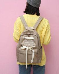 Piccola sciarpa coreana online-Piccola scuola Qingxin College Wind Letter Silk Scarf Butterfly Tie Student's School Bag, borsa da donna giapponese e coreano Dipartimento di spalla