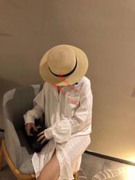 2019 longueur de la tunique féminine Nouveau printemps robe décontractée chemise femme impression de lettres à manches longuesTown Down Collar chemise longue Vintage Blouse blanche