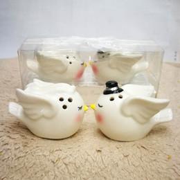 porcellana angelo uccello sale e pepe shaker set favori regali souvenir per matrimonio bridal shower party DLH087 cheap porcelain angels da angeli di porcellana fornitori