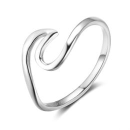 2019 anillo de onda esterlina Estilo de verano S925 Anillo de plata esterlina para mujer niña tamaños 5-9 simple anillo de ola oceánica joyería de moda anillos de boda anillo de onda esterlina baratos