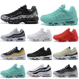 8bb0a592c388d0 Nike Air Max 95 Shoes 2019 nouvelles chaussures de course ont un jour  anthracite triple noir blanc rouge rose bleu gris femmes hommes formateur  ourdoor ...
