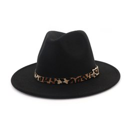 sombreros de leopardo para hombres Rebajas Grano de leopardo de cuero decoración hecha a mano de ala ancha de lana fieltro Fedora sombreros gorras hombres mujeres Jazz Panamá Cap Trilby Sombrero