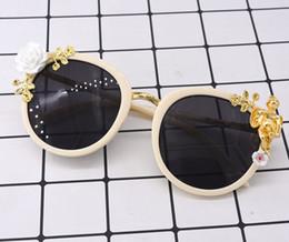 Bambole di angeli all'ingrosso online-Gli occhiali da sole del nuovo barocco hanno scolpito gli occhiali da sole del progettista della bambola di angelo dell'annata 072803 all'ingrosso