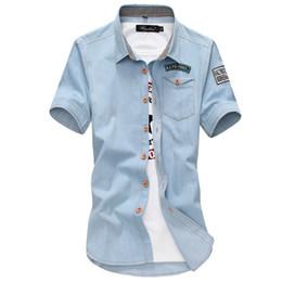 2019 leichte denimhemd männer Männer Sommer Denim Shirts Hellblau Kurze Ärmel Jean Shirts Männer Baumwolle Outwear Beiläufige Dünne Größe 3XL rabatt leichte denimhemd männer
