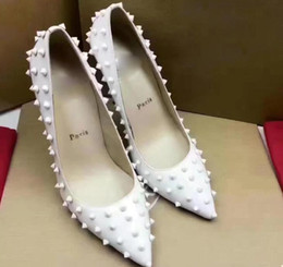 2019 chaussures pointues 5A femmes 6021260 10cm Krystalic pompes à bout pointu chaussures, avec cône cloutés, supérieure en cuir véritable, taille 35-41, Livraison gratuite par DHL chaussures pointues pas cher