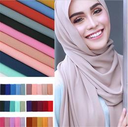 Scialli chiffoni pianura online-Sciarpa hijab delle donne pianura della bolla chiffon dello scialle degli scialli della fascia di colore solido sciarpe / sciarpa 47 colori