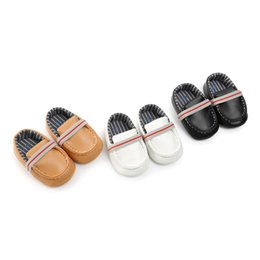 Baby marke weichen unteren schuhe online-2019 ROMIRUS Marken-Herr-Baby-Kleid beschuht weiche untere Säuglingsmüßiggänger PU-lederne beiläufige Schuh-erste Wanderer Dropshipping