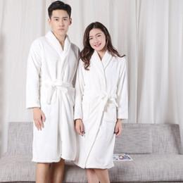 Weißes flanell-nachthemd online-Flanellpaar-Nachthemden, Männer und Frauen, weiße Bademäntel, Korallensamt, langärmelige Schlafanzüge, Hauskleidung, Bademäntel.