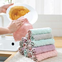 toalha absorve água Desconto Coral De Veludo De Absorção De Água Prato Toalha De Limpeza Cozinha Prato Mesa De Limpeza Toalha De Mão De Pano De Cozinha De Veludo De Coral Ferramenta Limpa