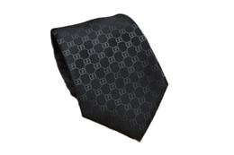Hommes Cravates Marque Homme Lettre De Mode Cravates Hombre Gravata Cravate Slim Affaires Classique Banquet De Fête De Mariage Casual Noir Cravate Pour Hommes ? partir de fabricateur