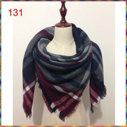 Couvertures acryliques en Ligne-2017 vente chaude nouvelle mode femme foulard carré foulards gland acrylique couverture femmes Wraps hiver automne dames châles