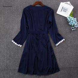 2019 rendas vestidos de dama de honra de duas cores Mulheres 2019 Sexy Pijamas Lace Silk Robe vestido Set sono vestido de banho de duas peças 5 Color Robe dama do Sólido desconto rendas vestidos de dama de honra de duas cores