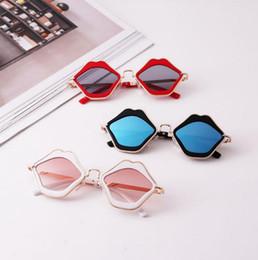 Óculos de sol da moda dos miúdos on-line-Verão crianças menina óculos de sol do vintage na moda menino lábio impressão Shades Anti UV para crianças menino menina óculos de sol