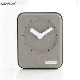 relógio quadrado barato Desconto Não Ticking DIY Moda Barato Relógio De Quartzo Quadrado Feito À Mão Home Decor Escritório Mesa de Presente Relógio De Mesa De Design De Madeira